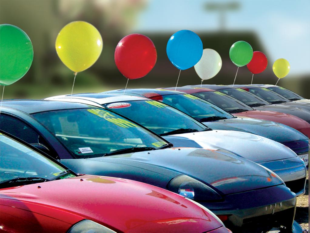 cars-on-lot-balloons